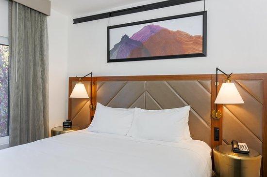Rancho Cordova, CA: King bed guest room