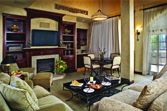 The Mission Inn Hotel and Spa: The Keeper of the Inn Suite