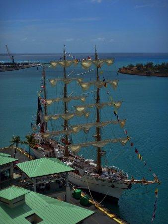 Aloha Tower Marketplace: Mexican Navy training ship visiting