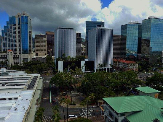 Aloha Tower Marketplace: City Skyline