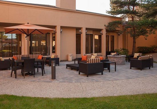 Glenview, IL: Outdoor Patio