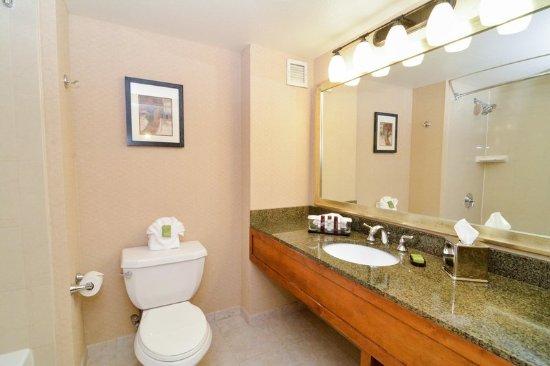San Rafael, Californië: Standard Bathroom Vanity
