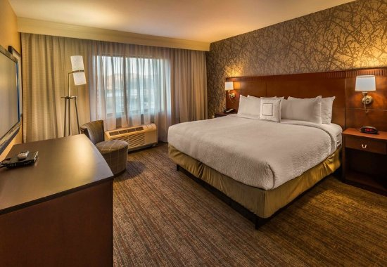 Carson City, NV: Presidential Suite - Master Bedroom