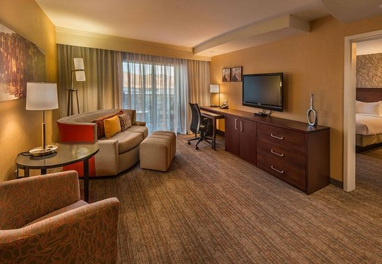 Carson City, NV: Presidential Suite- Living Area