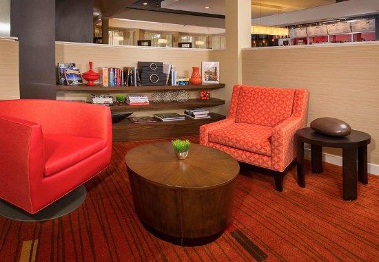 Manassas, Wirginia: Lobby Library