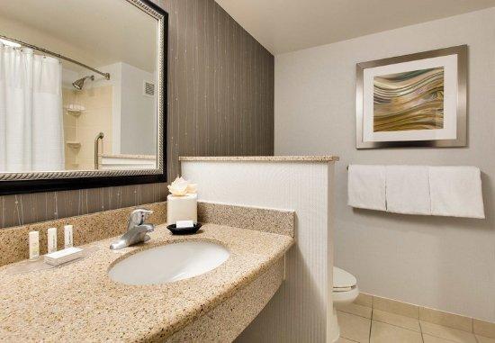 Malvern, PA: Guest Bathroom