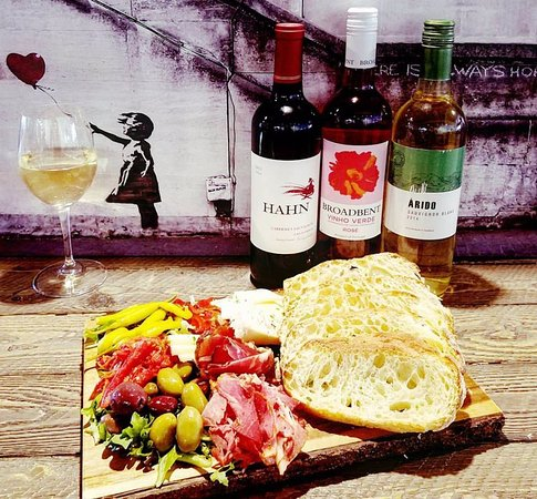 Montrose, Κολοράντο: Antipasto plates with wine specials