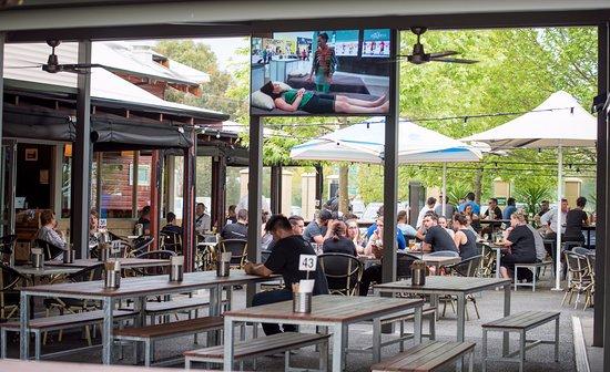 Beer Garden Fotograf A De Cy O 39 Connor Village Pub Perth