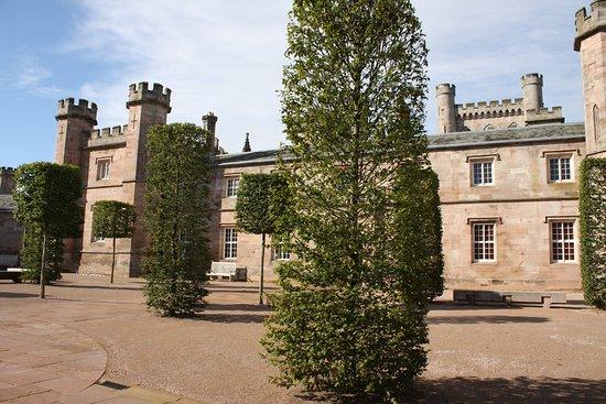 Penrith, UK: The entrance courtyard