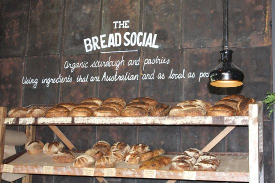 Ewingsdale, Australia: Baked on site breads