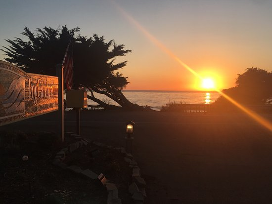 Enjoy the beautiful sunset with a good glass of wine by the beach in front of the FogCatcher Inn
