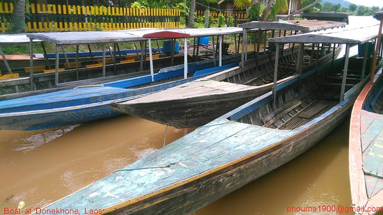 Pakse, Laos: Boat in Done Khone