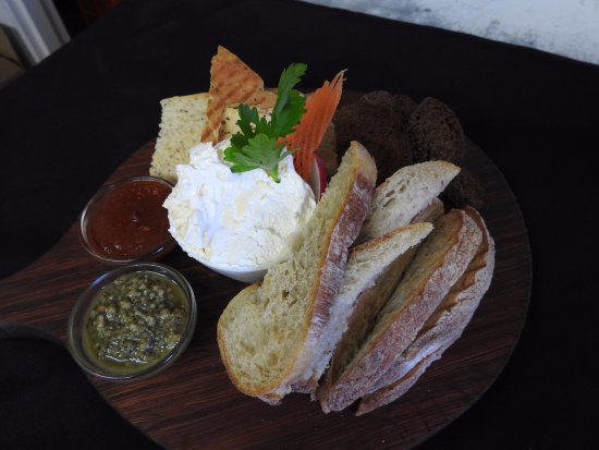 The Rocks Cafe : Breads & Spreads. Foccacia, German Rye & Ciabatta. Garlic butter, sweet chilli Jam & Rocket  Pes