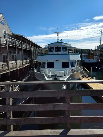 Boothbay Harbor, ME: This was the vessel we traveled on