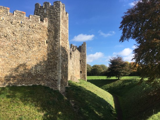 Framlingham, UK: The Castle Walls and Moat