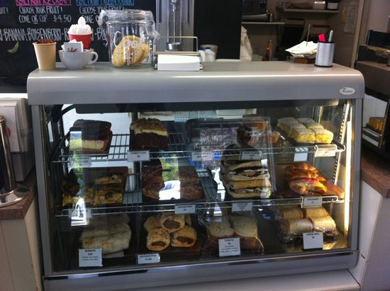 Arrowtown Bakery & Cafe: cabinet