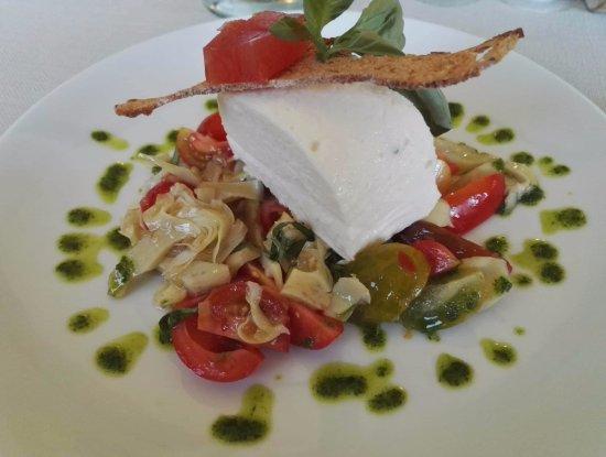 Restaurant Apollonia: Piatto a base di formaggio di capra