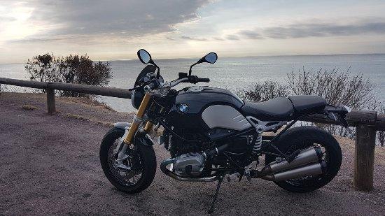 Valbonne, Francia: Balade avec pilote si vous n'avez pas le permis moto, vous pourrez découvrir cette région en mot