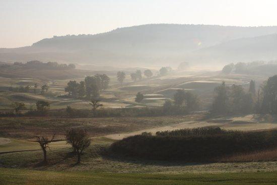 Баньяйя, Италия: morning round of golf is a must!!!