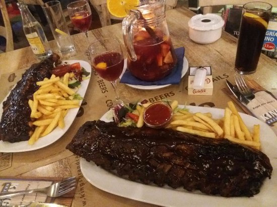 Kings Grand Cafe: Spare Ribs und Sangria