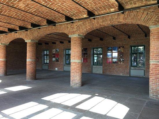 Ceretto Aziende Vitivinicole - Capella delle Brunate