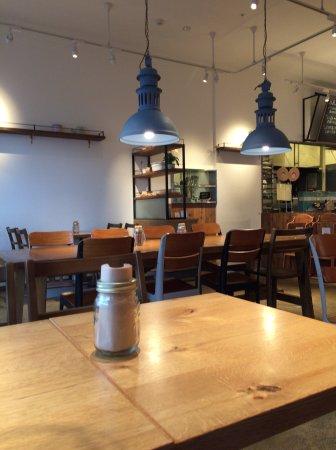 Eniwa, Япония: ペンギンベーカリーカフェ