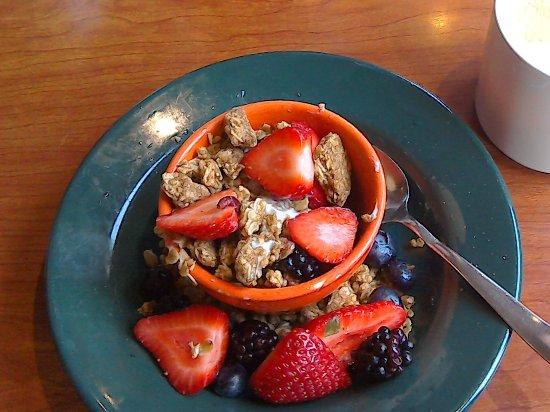Glendale, CO: Fruit Parfait