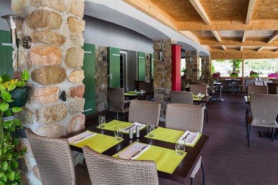Ruoms, France: Terrasse restaurant