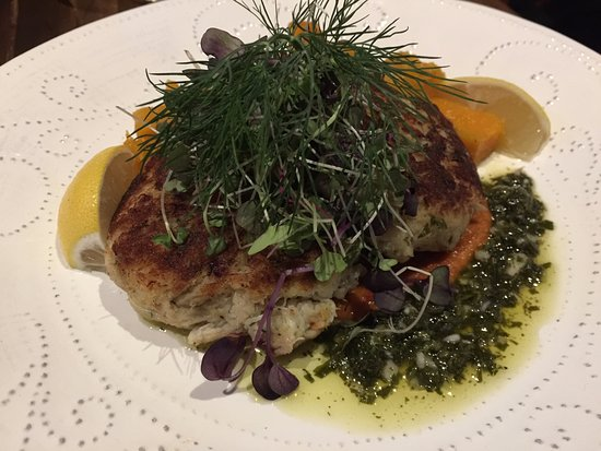 The Thirsty Koala: crab cakes