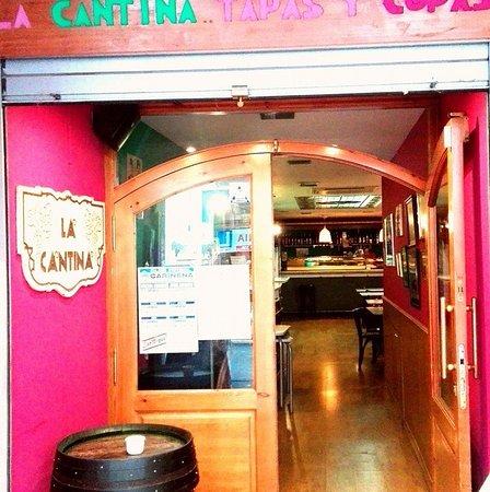 Carinena, Spagna: LA CANTINA TAPAS Y VINOS DE CARIÑENA