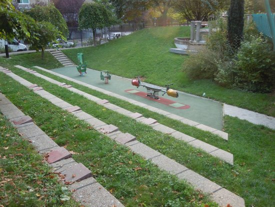 Panneau explicatif jardin juan miro for Jardin d asie 78 rue baudricourt 75013 paris