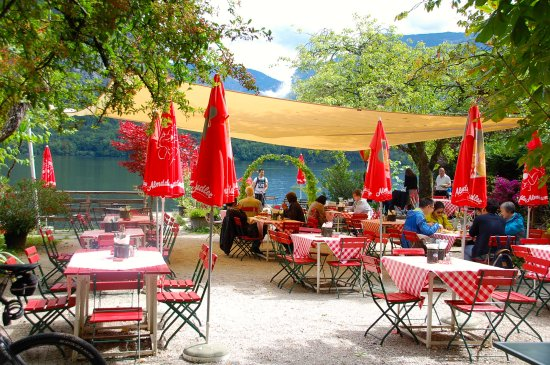 Gasthof Simony Restaurant am See: Outdoor seating