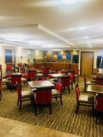 Dickinson, ND: Newly Renovated Breakfast Room