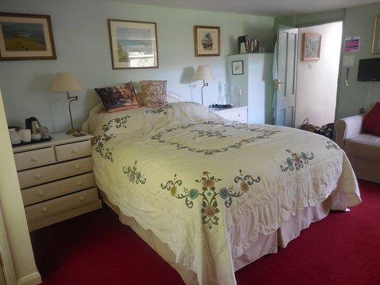 Dartington, UK: Elmhirst bedroom 2017 taken by guest