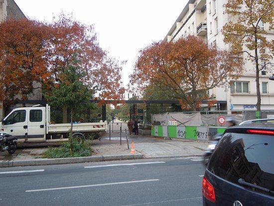 Entr e du jardin c t avenue de la porte d 39 italie billede af le jardin du moulin de la pointe - 13 avenue de la porte d italie ...