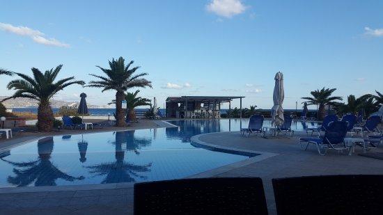 Hotel Akti Corali: Śniadanie można jeść na zewnątrz z takim widokiem