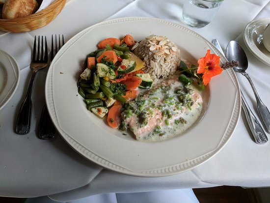 Georgian House Restaurant & Day Spa : Poached salmon special