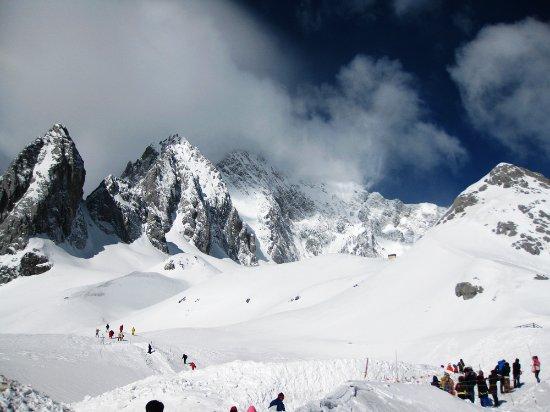 Yulong (Jade Dragon) Mountain: amazing scenery