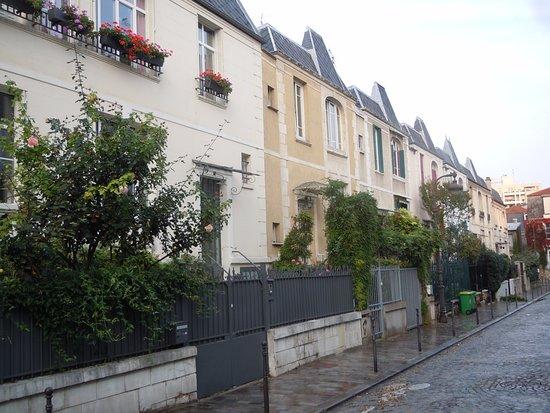 L 39 Enfilade De Maisons Rue Dieulafoy