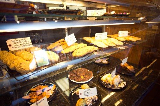 Terre Haute, IN: Clabber Girl Bake Shop Café - Bake Case