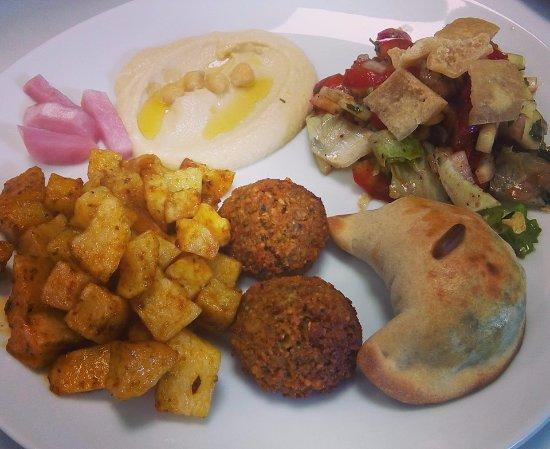 Saint-Lo, Frankrijk: Assiette libanaise avec falafels