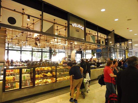Greater Sydney, Australia: 高級百貨店のCAFEみたいです