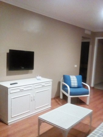 La Quinta Park Suites: tele