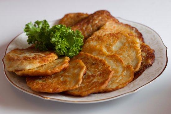 Hillsborough, نيو جيرسي: Potato Pancakes!