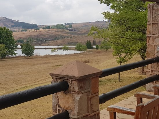 Walkersons Hotel & Spa: Lake well in view