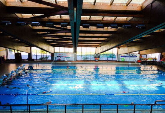 Belluno, Italie : La vasca nuoto