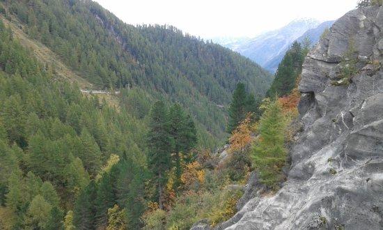 Lappago, Włochy: Foto dalla passeggiata sulla diga
