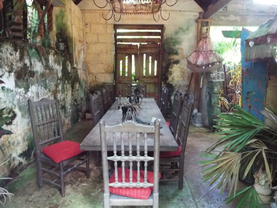 Hunte's Gardens: Buildings and artifacts