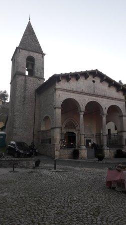 Tagliacozzo, Italy: la facciata della chiesa