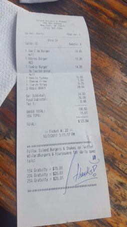 Island Burgers and Shakes : check for 4 persons